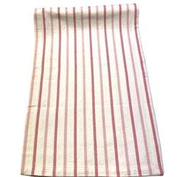 Löpare i bomull från Gripsholm. Färg: Vit med rosa ränder.