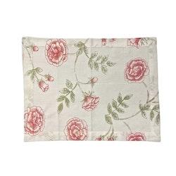 Rosenslinga  en tablett i bomull med rostryck från Gripsholm. Färg: Vit med rosa rosor och gröna blad.