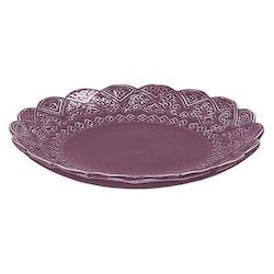 Orient assiett plommonlila från Cult design. Färg: Plommonlila. Material stengods.