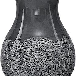 Orient minivas ashphalt från Cult design. Färg: Asphalt.