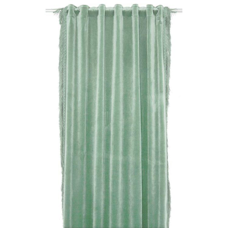 Franz ett gardinset i sammet med fransar och Art.nr multiband. 9450-20-007. Färg: Grön 2x130x250cm