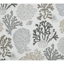 Edla ett gardinset i ¨halvbredd¨med dolda hällor, Art.nr 8091-15-021. Färg: Vit med ett mönster i grått, svart och beige.