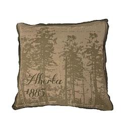 Alberta 1885 ett kuddfodral i bomull. Färg: Beiga och gröna toner.