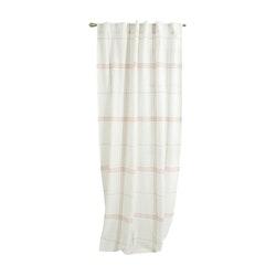 Sommarruta en härligt gardinset i bomull. Art.nr 21687-1. Färg: Vit röda och gröna rutor.