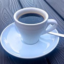 Daily use espressokopp från Modern house. Färg: Vit.
