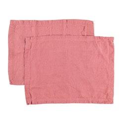 Bordstablett i tvättat linne Från Gripsholm i 2-pack. Artikelnr 917327. Färg:Färg: Withered rose, rosa..