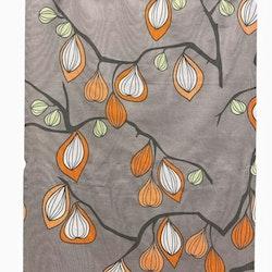 REA! 890932 panelgardiner i 2 pack. Färg: Grå med svarta grenar och gröna och oranga blad.