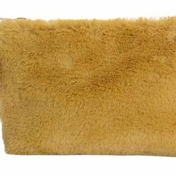 Fluff en necessär/sminkväska i mjuk fuskpäls. Färg: Gul.