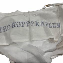 REA! Tro hopp och kärlek ett gardinset med två knytbandslängder. Mått 2 x 100 x 250 cm.