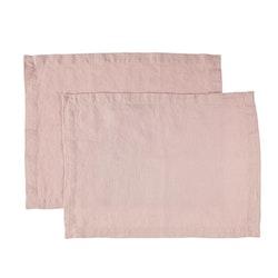 Bordstablett i tvättat linne Från Gripsholm i 2-pack. Färg: Pink lilac.