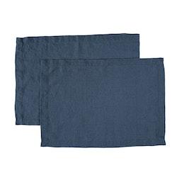 Bordstablett i tvättat linne från Gripsholm i 2-pack. Färg: Marinblå.