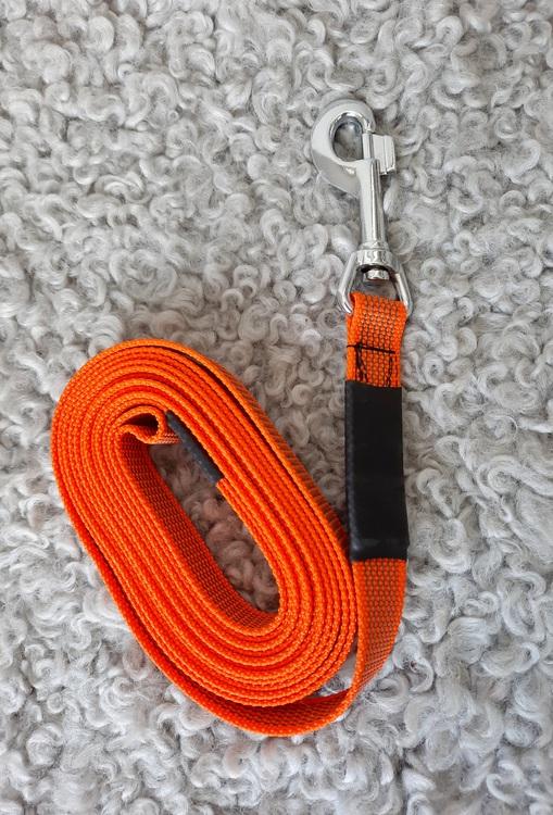 Taros Hundsport närproducerat hundkoppel 5 meter, 20 mm brett antislip