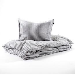 Marbäck – Bedset – Grey stripe
