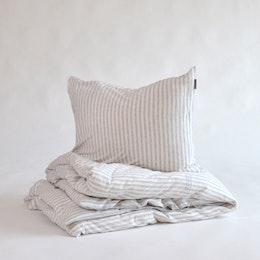Marbäck – Bedset – Lightgrey Stripe