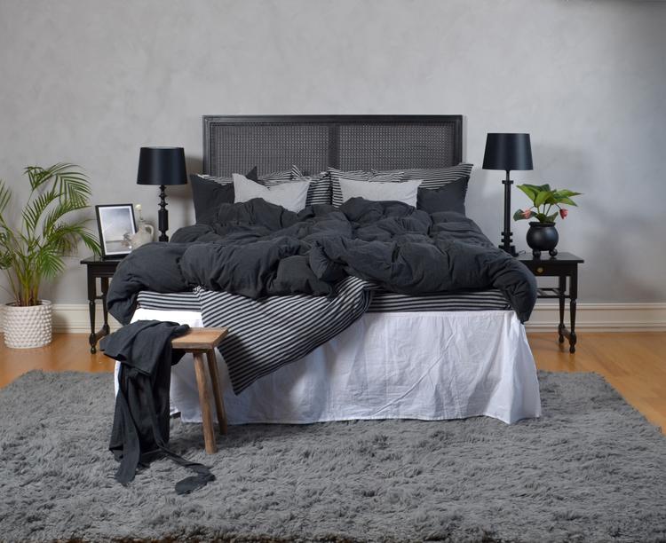 Marbäck - Underlakan - Antracit/ grå rand