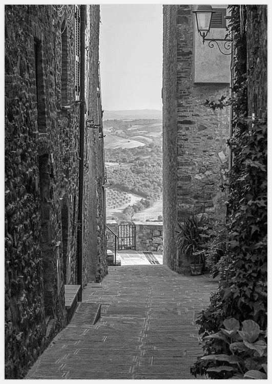 Tuscany Alley black & white