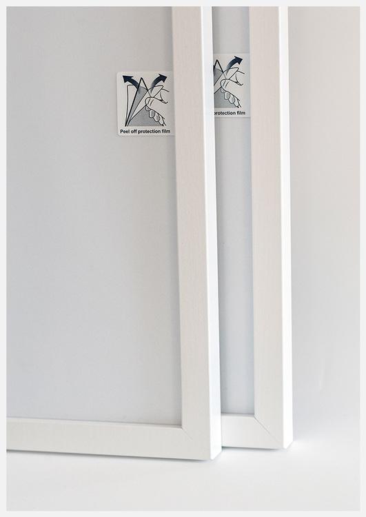 White wood frame 50x70 cm – 20x28 in – 20x22 mm