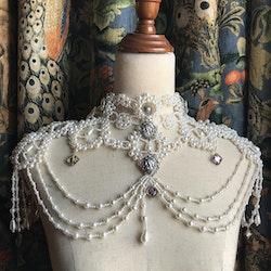 Beautiful Bud - Pianist's Lover 2.0 Pearls Collar