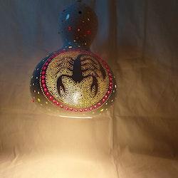 Kalebass lampa - Skorpion