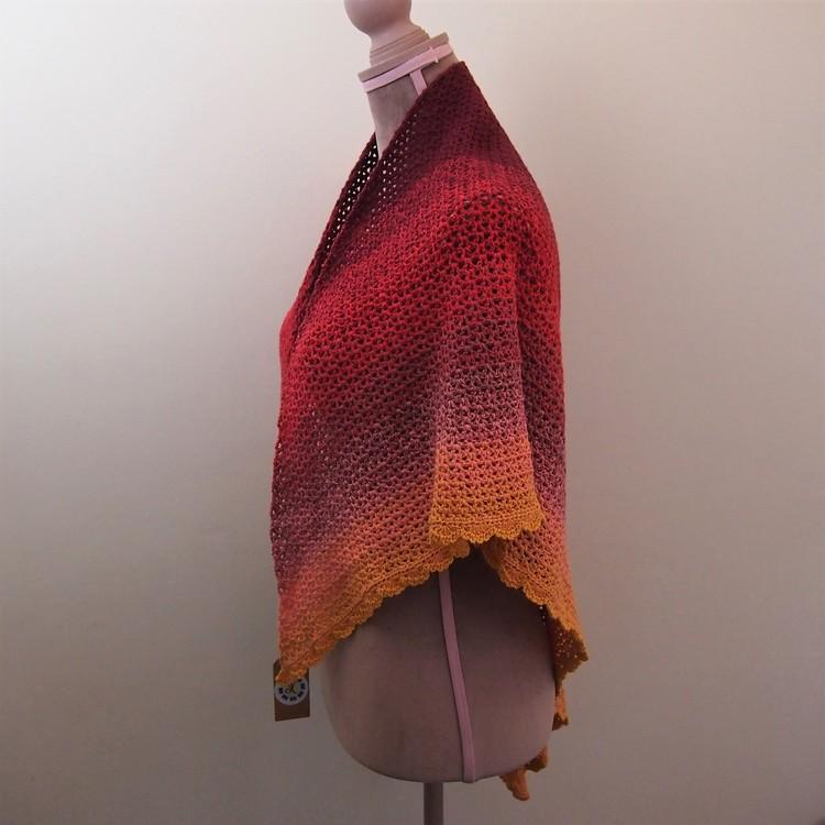 Vackert randad sjal i bomull