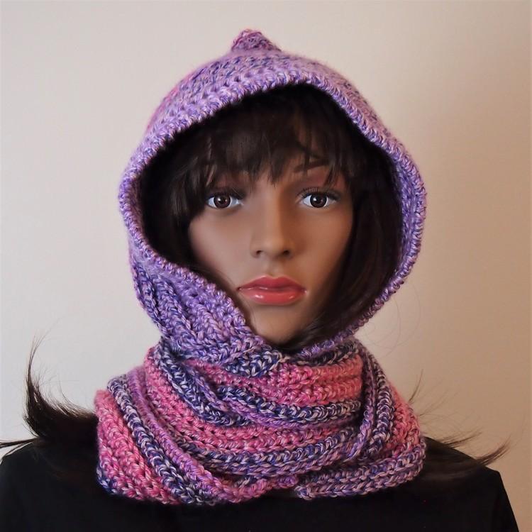Underbart mjuk halsduk med luva