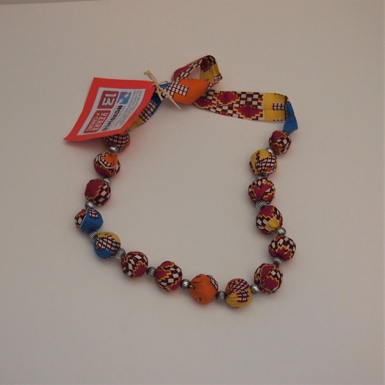 Halsband i tyg