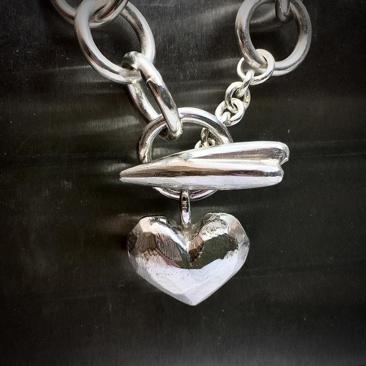 Råa hjärtan - armband i silver