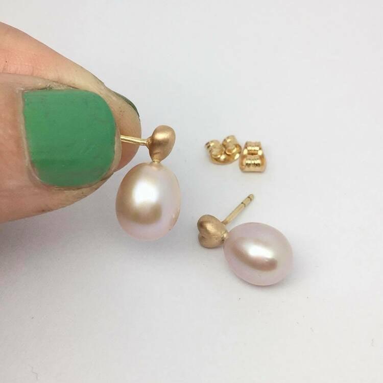 Tiny Heart & Peach pearls