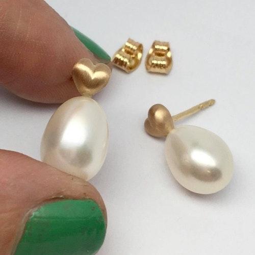 Tiny Heart & White Pearl