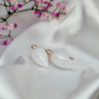 Gnistrande vit spetsbriolett