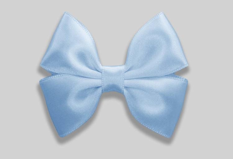 liten hårrosett i pastellfärg ljusblå av satinband OEKO-TEX
