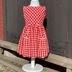 Flickklänning, rödrutig