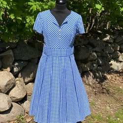 Blå/vit rutig klänning med vidd