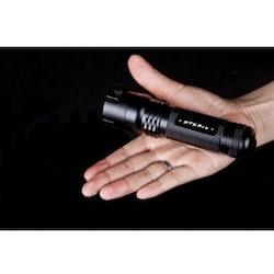 PTX PRO 3xAAA, 230 Lumen Polisficklampa