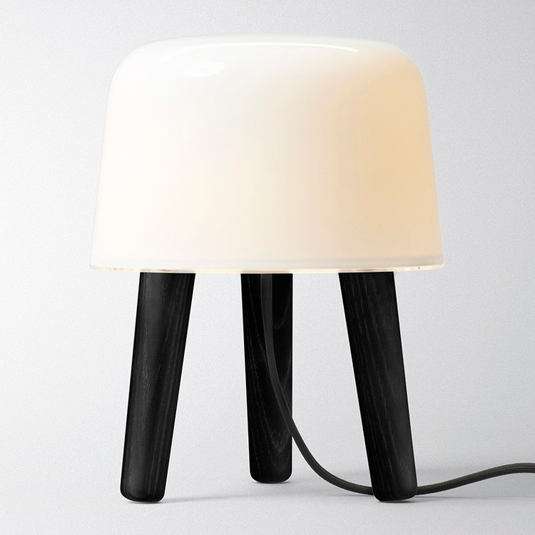Milk lamp Tradition svart
