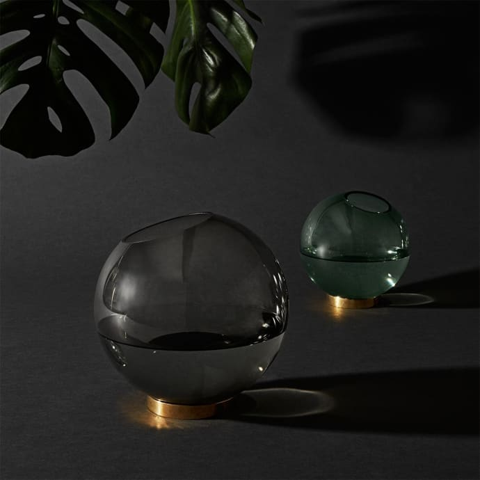 GLOBE vase w. stand Forest / Gold- Small