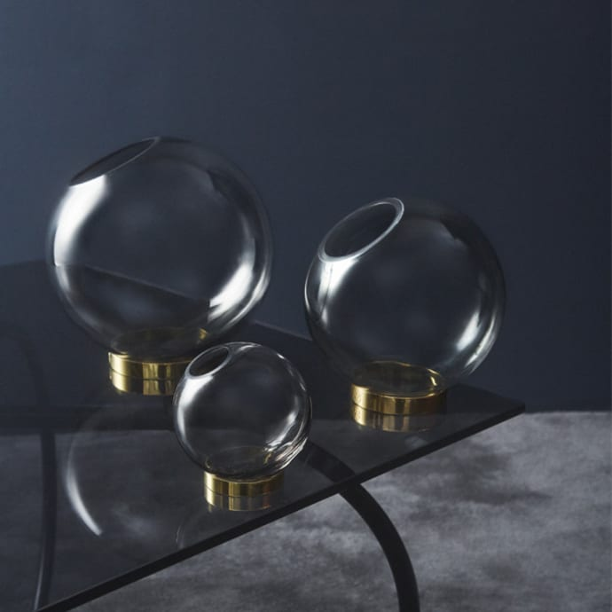 GLOBE vase w. stand Black/ Black small
