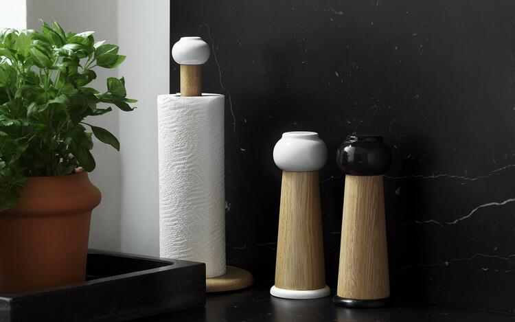 Barrel Paper Towel Holder Black