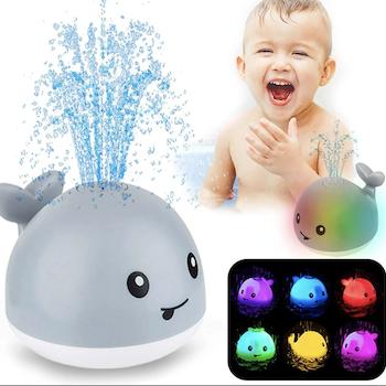Sprutande val i olika färger - Badleksaken ditt barn kommer älska