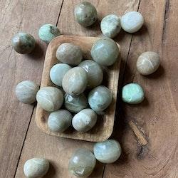 Garnierit Cuddle Stone (Grön Månsten)