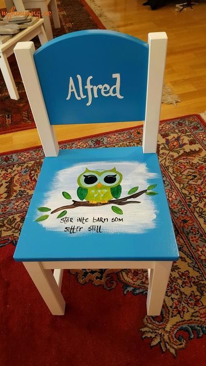 Handmålad Barnstol Färgglad