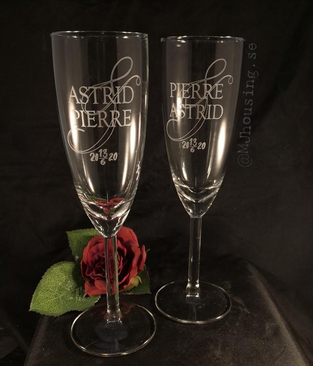 Graverat Champagneglas