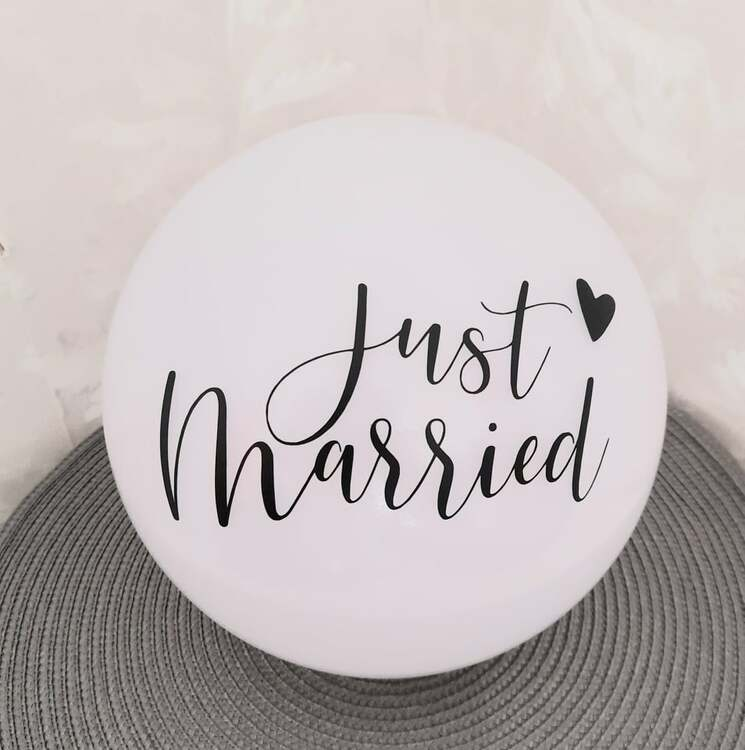 """just married"" vinyltryck 10x18 cm"