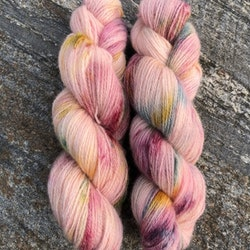 Milla Rauma Lammull - Pink Spring Meadow 50 g