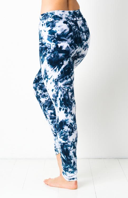 Thick Midnite Smoke Tie Dye leggings från Mata Hari