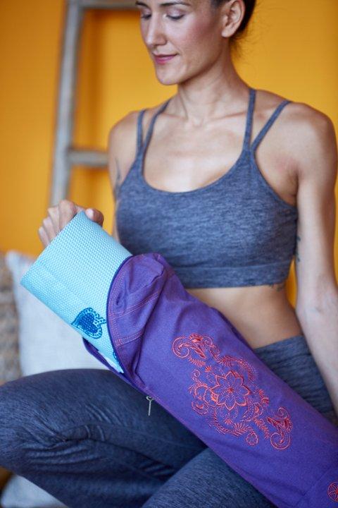 Yogamattväska Aubergine Swirl från Gaiam