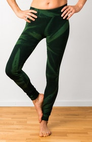 Thick Green Star Tie Dye leggings från Mata Hari