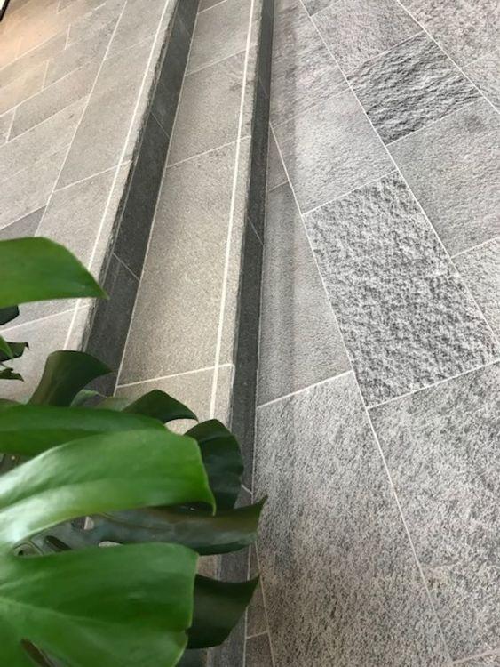 Offerdal oregelbunden golvskiffer små, 12 mm tjocklek