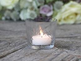 Ljuskopp i glas med slipad dekor