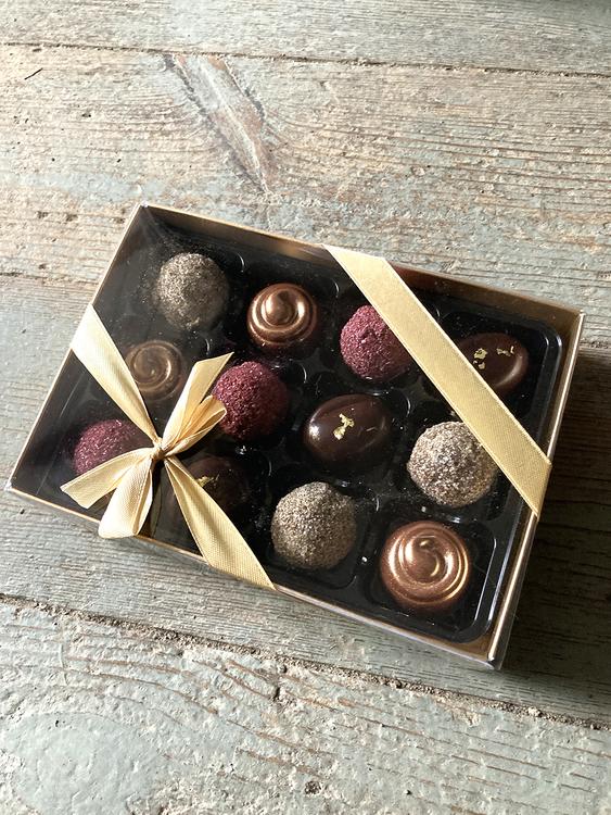 Blandad ask - Saltkola, hallon, gräddlikör, chokladkula